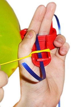 Przyrząd do bezbolesnego wiązania balonów