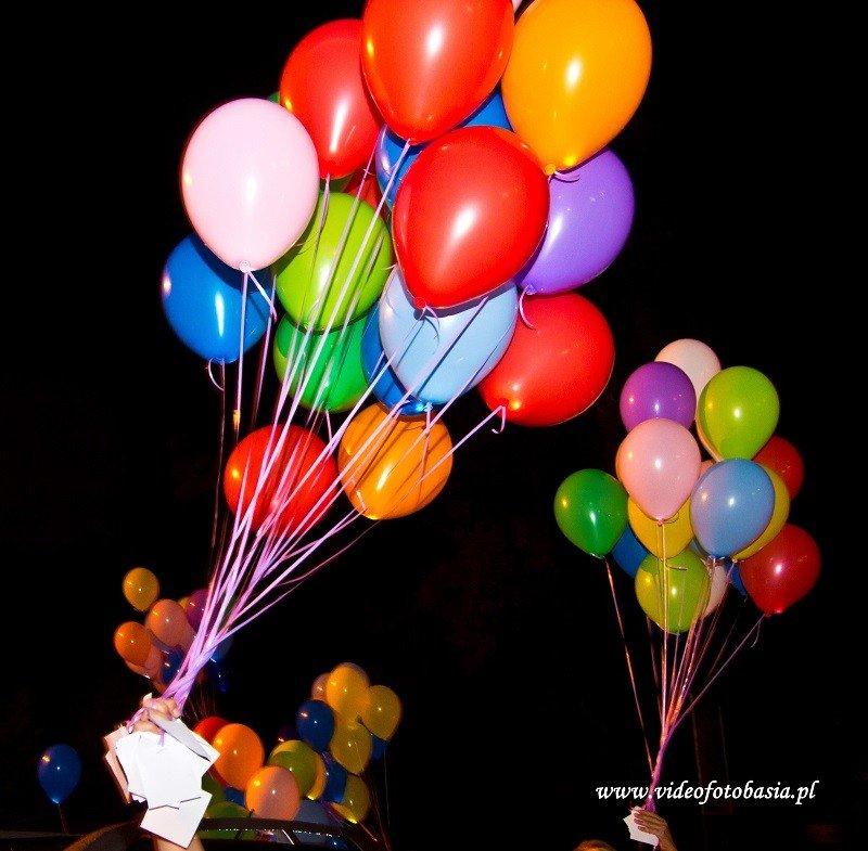Balony helowe z lampkami LED i karteczkami